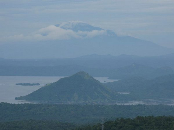 Volcan-Taal-Tagaytay