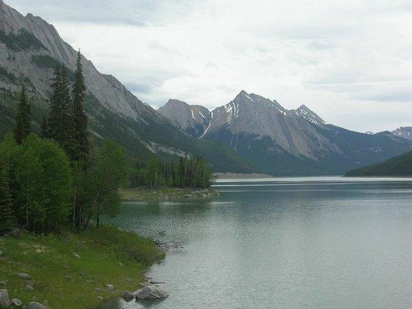Lake-Maligne (00).jpg
