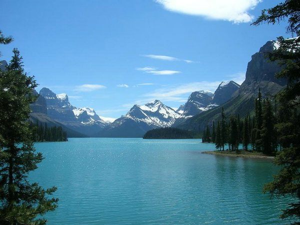 Lake-Maligne (01).jpg