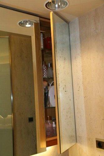 Espejos para ampliar el ba o little big flat for Espejo con almacenaje