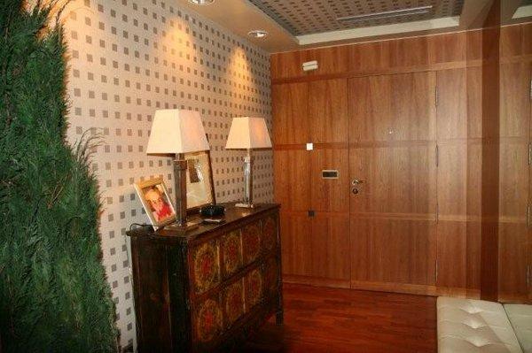 Decoraci n de la entrada de una casa decoracion en el hogar for Cuadros para entradas piso