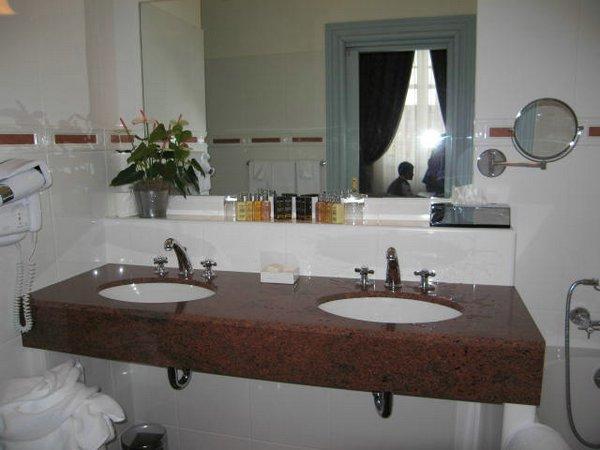 El cuarto de ba o perfecto decoracion en el hogar - Adornos para cuartos de bano ...