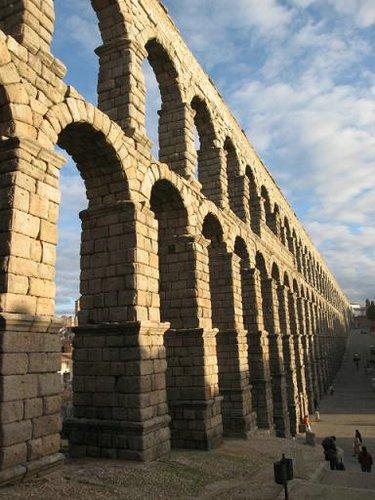 La edad antigua el paso del tiempo 4 - Acueducto de segovia arquitectura ...