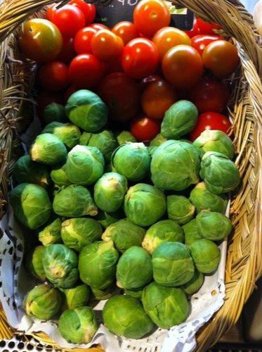 Coles y tomates